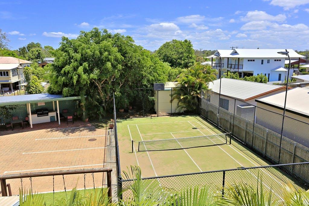 Tennis & BBQ area
