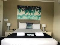 King bedroom 30